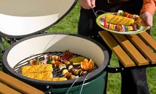 Big Green Egg Grills at Zagers