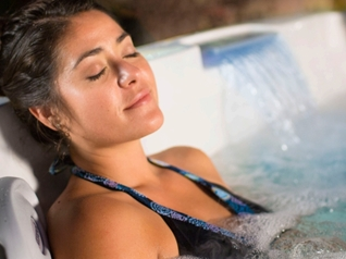Jacuzzi Hot Tubs for Hydrotherapy at Zagers