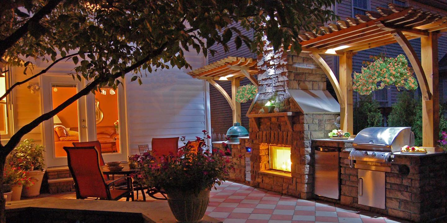 Zagers can help you create your outdoor rooms, including pergolas, kitchens, fireplaces, and patio furniture.